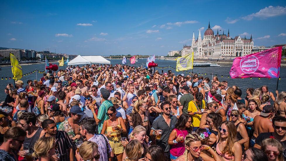 https://cdn2.szigetfestival.com/c5wtiw/f851/fr/media/2019/01/boat_0003_kma_5843.jpg