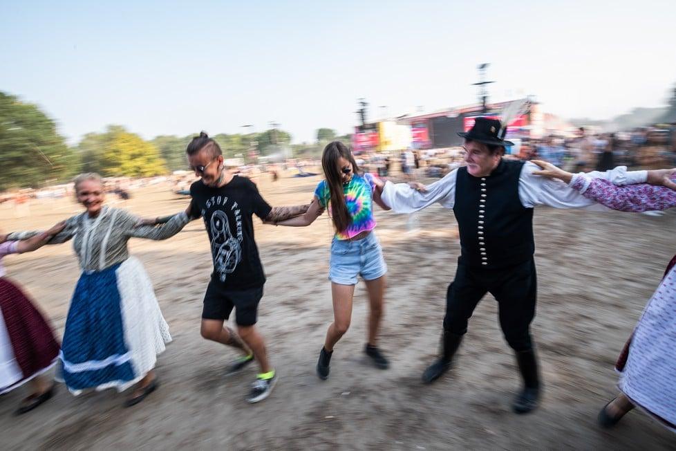 https://cdn2.szigetfestival.com/ca9s5s/f851/en/media/2019/08/hetfo50.jpg
