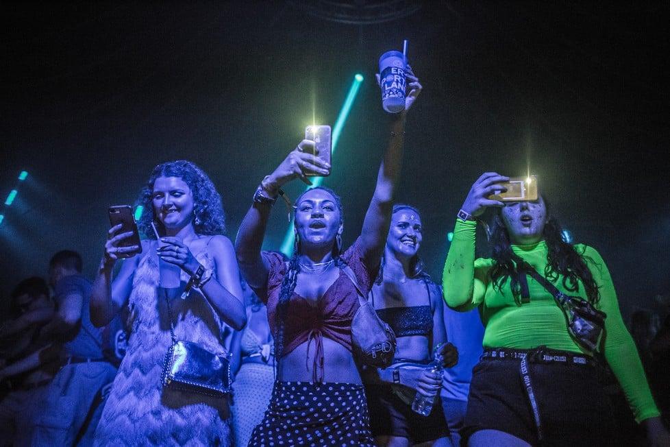 https://cdn2.szigetfestival.com/ca9s5s/f851/en/media/2019/08/szombat19.jpg