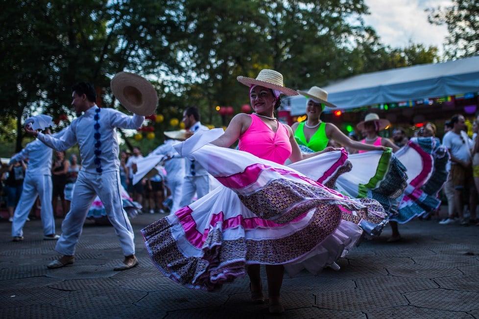 https://cdn2.szigetfestival.com/ca9s5s/f851/en/media/2019/08/szombat9.jpg