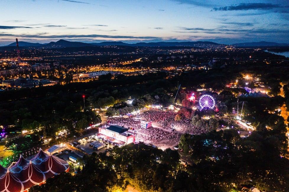 https://cdn2.szigetfestival.com/ca9s5s/f851/hu/media/2019/08/csutortok11.jpg