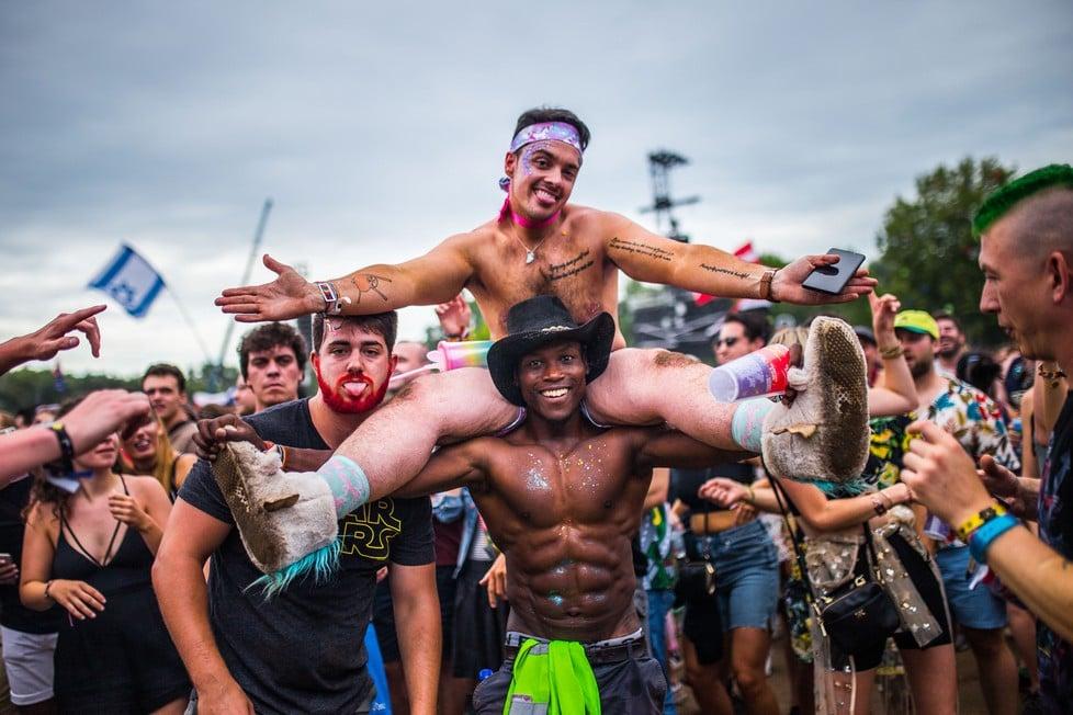 https://cdn2.szigetfestival.com/ca9s5s/f851/hu/media/2019/08/csutortok4.jpg