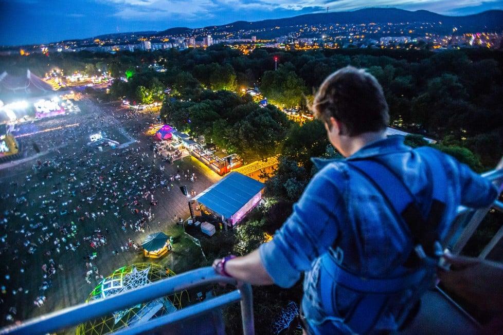 https://cdn2.szigetfestival.com/ca9s5s/f851/hu/media/2019/08/csutortok7.jpg