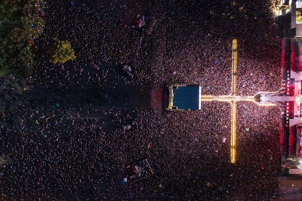 https://cdn2.szigetfestival.com/ca9s5s/f851/hu/media/2019/08/kedd14.jpg