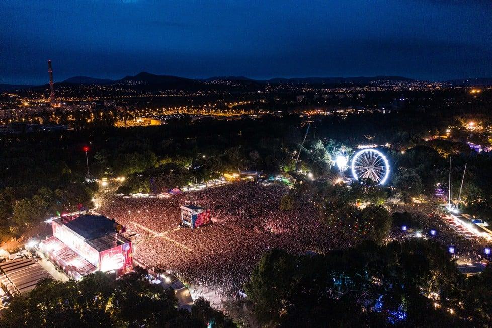 https://cdn2.szigetfestival.com/ca9s5s/f851/hu/media/2019/08/kedd16.jpg