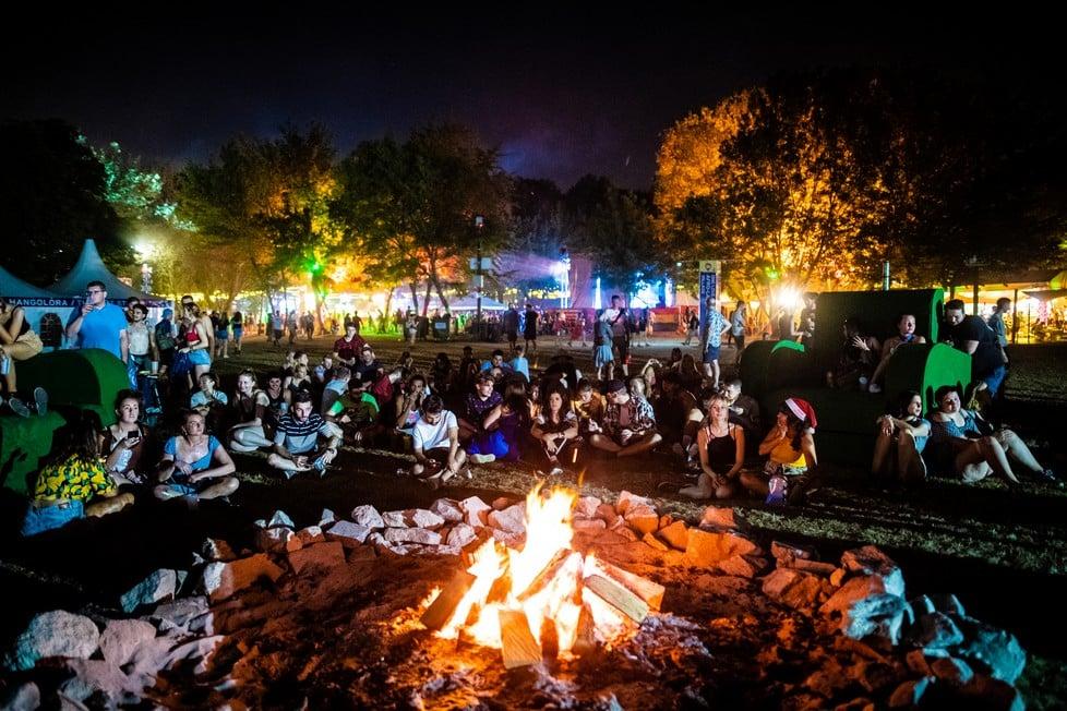 https://cdn2.szigetfestival.com/cqwhkb/f851/en/media/2019/08/bestof38.jpg