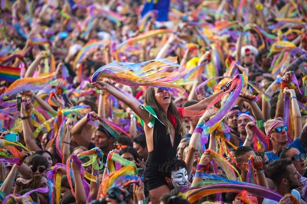https://cdn2.szigetfestival.com/cv2brl/f851/de/media/2019/08/bestof40.jpg